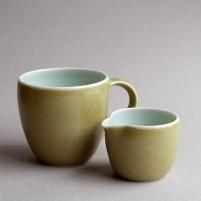 Mug and pourer