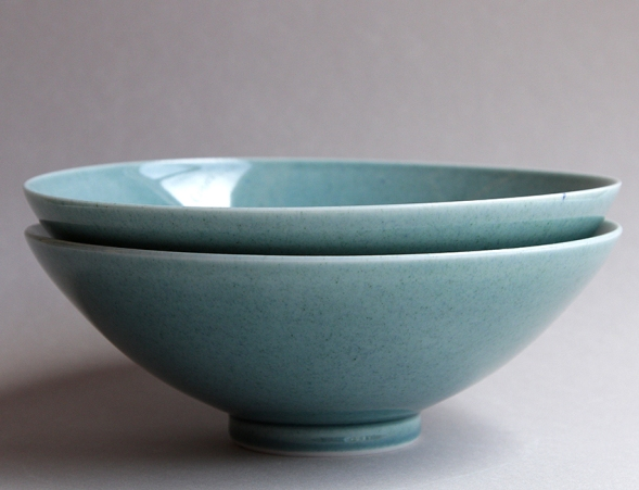 SG_footed bowls